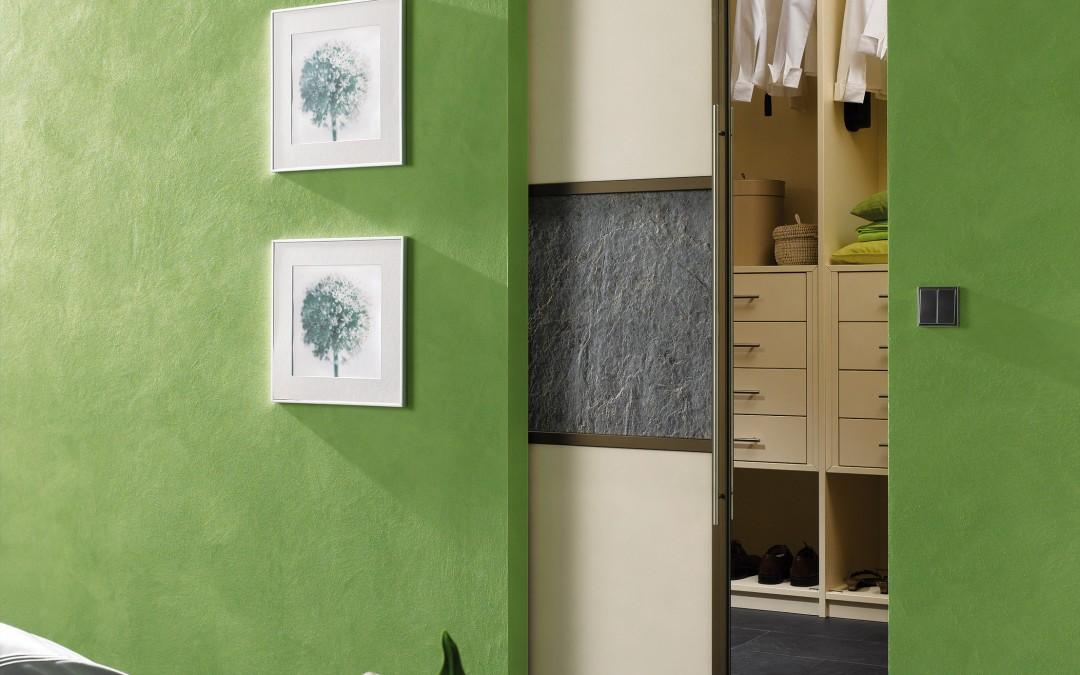 begehbare kleiderschr nke sch n vielseitig und enorm. Black Bedroom Furniture Sets. Home Design Ideas