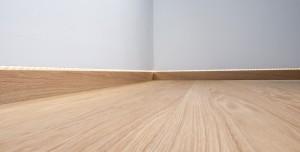 Admonter wandbündige Sockelleisten - Holz-Schröer