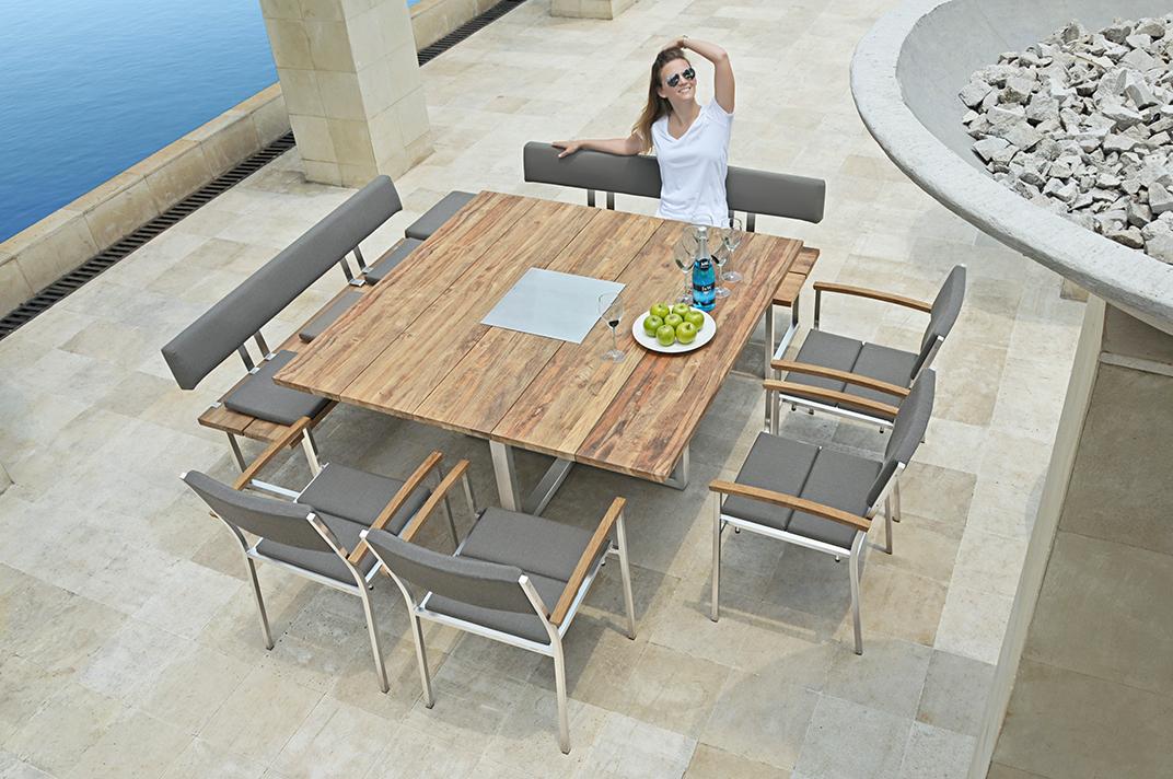 Gartenmöbel und Gartentische bei Holz-Schröer