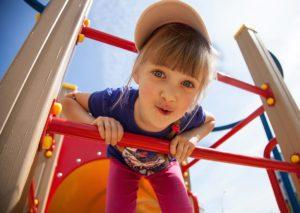 Spielplatz: Bei Holz-Schröer finden Sie die richtige Ausstattung für Ihren Spielplatz