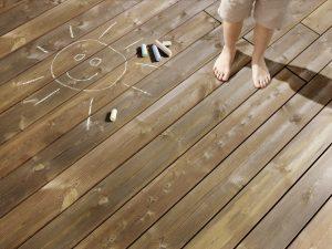 Pflegeleichtes Holz für die Holzterrasse – von Kebony