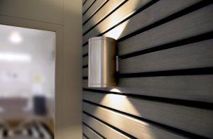 Schlichte und moderne Holzfassaden